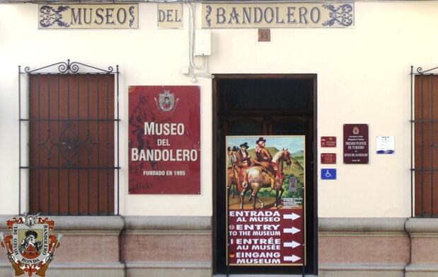 Menú para 2 y visita al Museo Bandolero