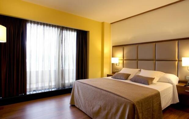 Viveiro, 2 ó 3 días en Hotel 4*+ Spa para 2