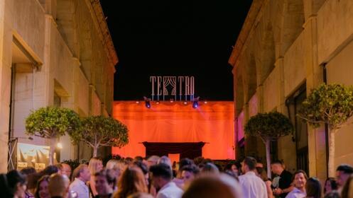 Cena con espectáculo en Teatro Marbella