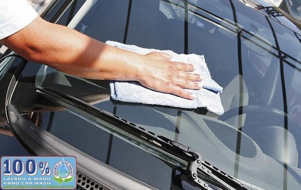 Limpieza a mano: exterior e interior con desinfección