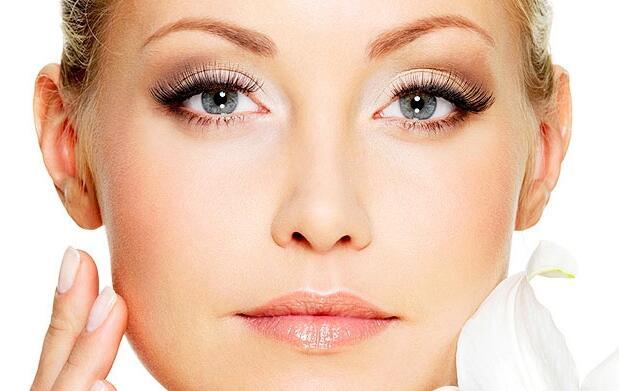 Limpieza y rejuvenecimiento facial