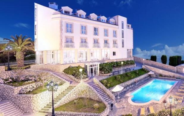 Hotel Suances 3* con Desayuno o Media Pensión