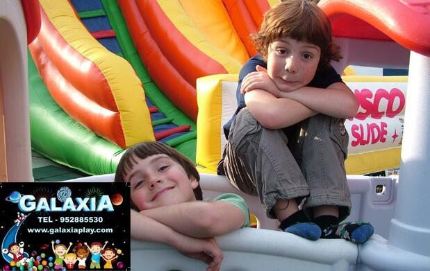 Día de diversión en un parque infantil