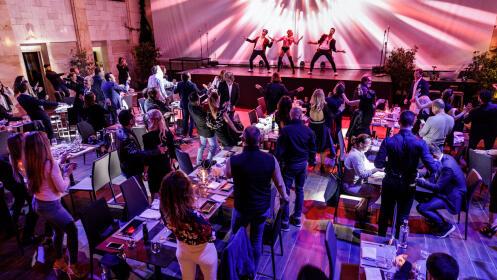 Cena en Teatro Marbella + Espectáculo 'El Disparate'