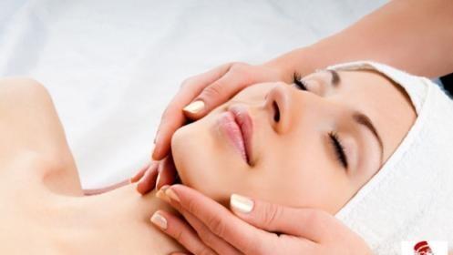 Tratamiento facial de luminosidad con exfoliantes + vitaminas + Face System + máscara regeneradora