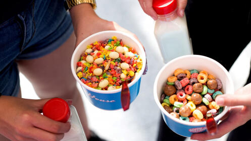 Menú para 1, 2 o 4 personas con bol de cereales, topping y bebida de leche desde 2,50€
