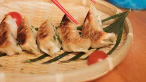Plan para 2: Entradas para 'Revolution On Ice' y menú para 2 en Okami