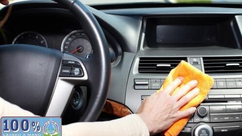 Oferta en limpieza de coche a mano completa con desinfección en el CC Málaga Plaza