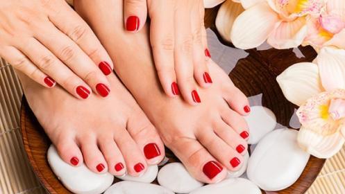 Dos sesiones de manicura, pedicura o manipedi de esmaltado normal o semipermanente