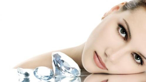 3 sesiones de tratamiento de punta de diamante y ácido hialurónico en Dermozen