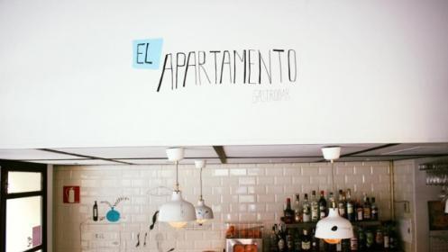 Picoteo para 2 en El Apartamento Gastrobar + 4 invitaciones para Fancine 2017